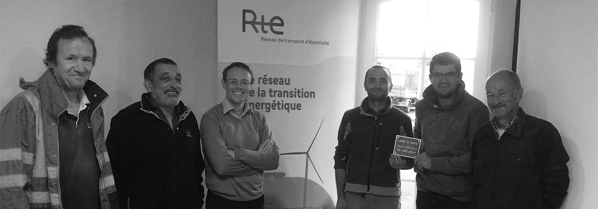 Intervenant pour le compte de l'entreprise RTE, Réseau de Transport d'Electricité, aux abords de ses ouvrages, les salariés en insertion de l'association Lagun ont pu bénéficier d'une formation aux gestes de sécurité électrique.