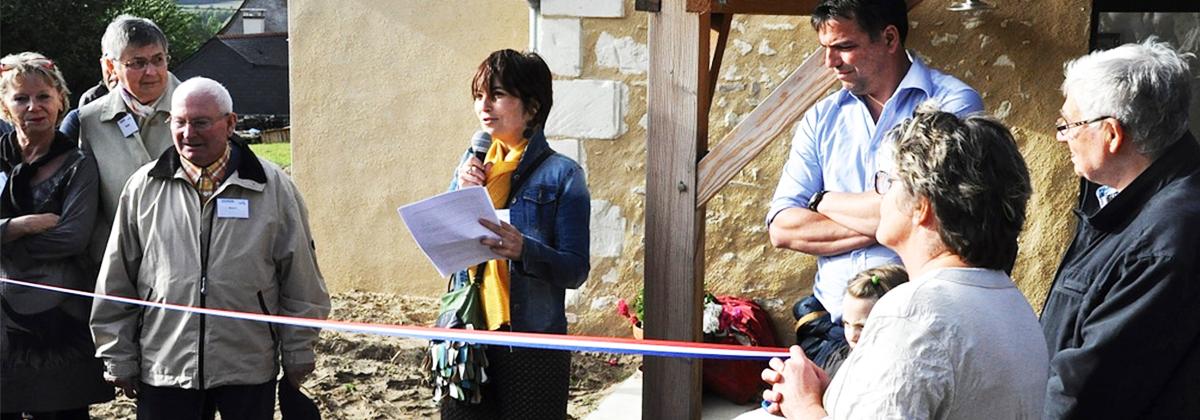 L'inauguration de la Maison Habit'Âge s'est déroulée le 11 septembre dernier, à Fontaine-Guérin, près d'Angers. Ce vieux jeu de boule de fort, réhabilité en habitat partagé dans le cadre du projet «Boule de fort pour seniors», peut aujourd'hui accueillir quatre personnes âgées dans des locaux adaptés, en plein cœur de la commune.